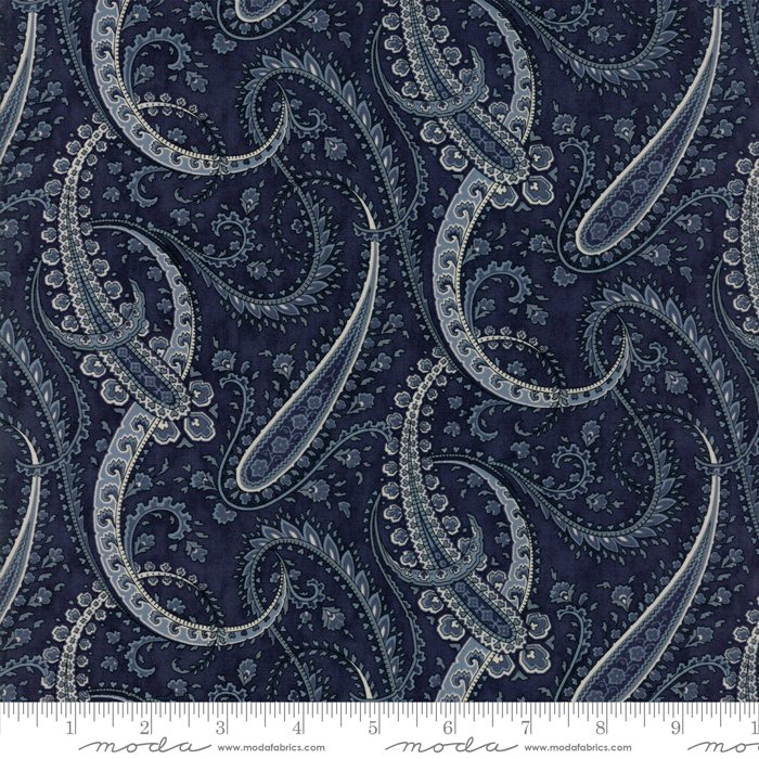 Moda Fabrics - Holly Woods by 3 Sisters - 44173 16 Midnight Paisley