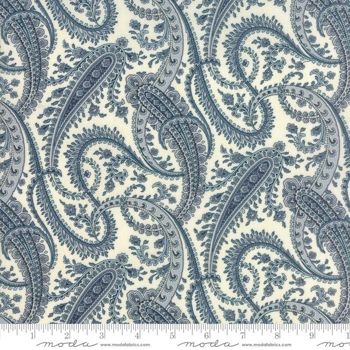 Moda Fabrics - Holly Woods by 3 Sisters - 44173 21 Snow and Sky Paisley