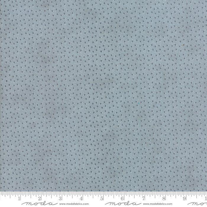 Moda Fabrics - Holly Woods by 3 Sisters - 44177 13 Snowflakes - Frost