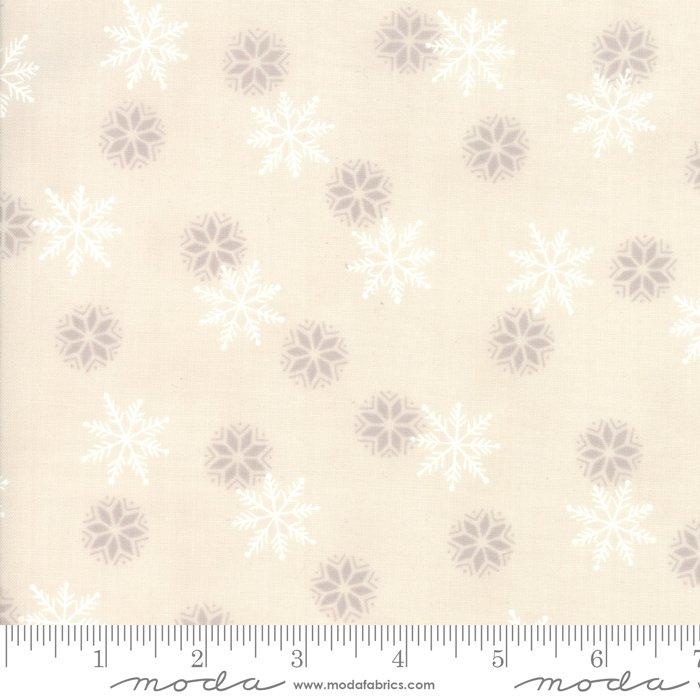 Moda - Holiday Lodge by Deb Strain - 19896 15 Snowflakes Winter White