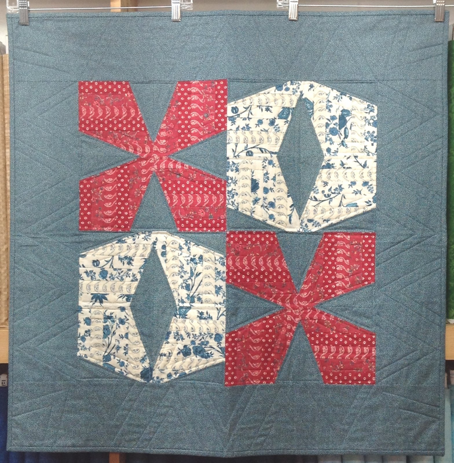 Quilt / Wall Hanging for Sale: Modern Love XO - measures 33 x 33