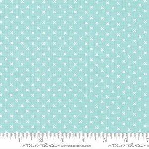 Q - Moda - Lullaby - Aqua with White Stitches