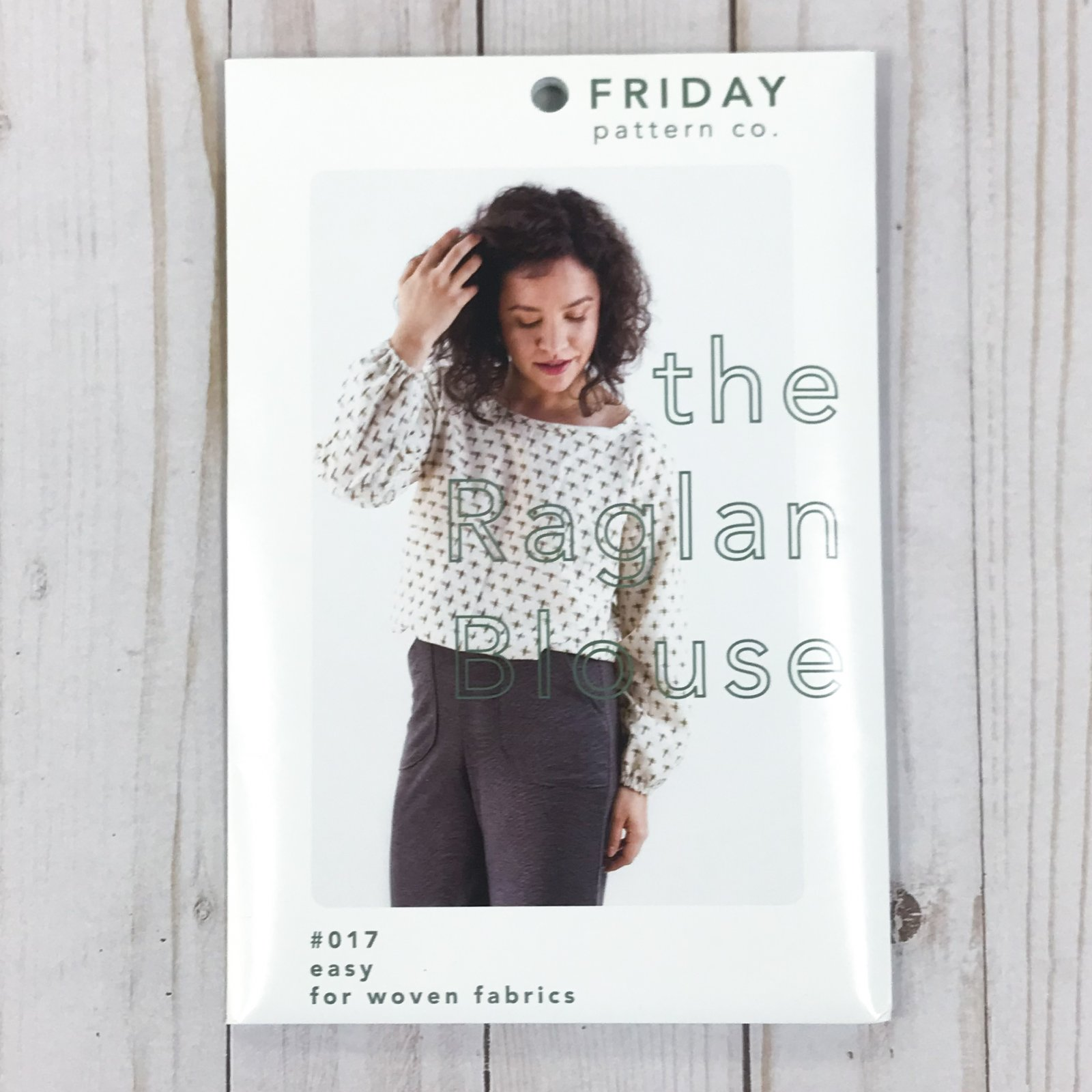 Friday Pattern Co. - The Raglan Blouse