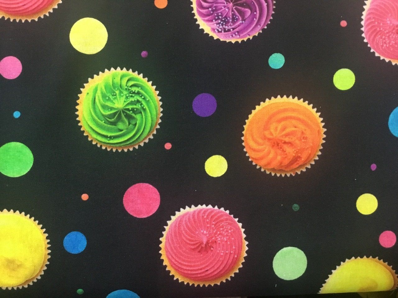 Candy shop  cup cakes 150 cm