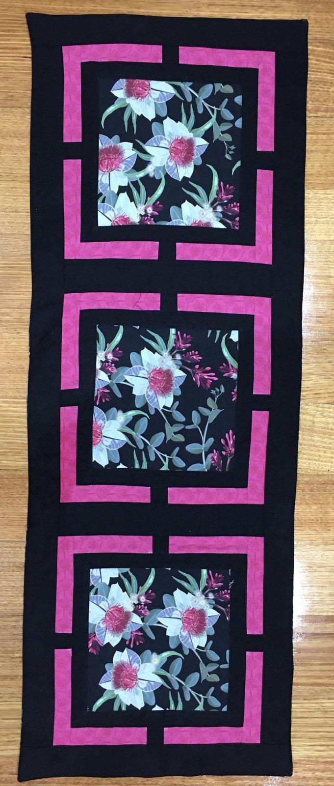 Windows Table Runner kit pink trim