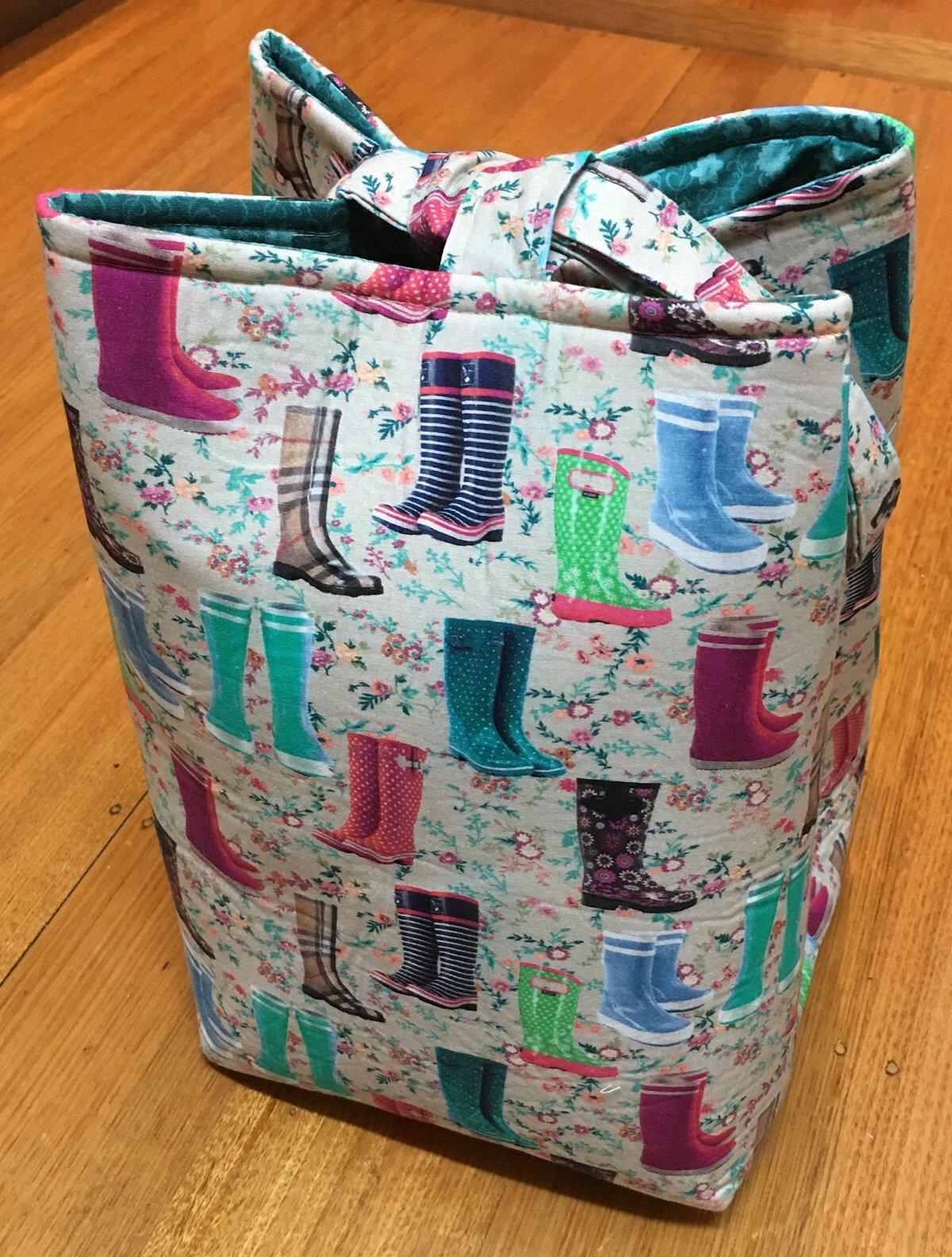Pretty gumboots bag