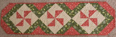 KIT2460 Peppermint Twist Table Runner Red