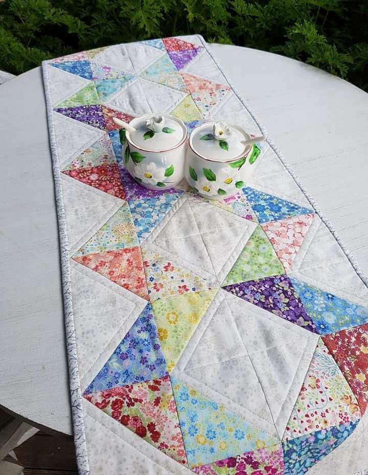 'Spring Flowers' Table Runner Kit