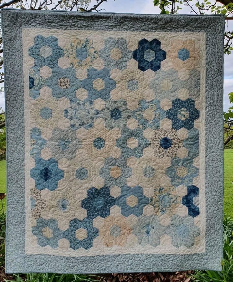 Bluebird in Spring Hexagon Quilt Kit