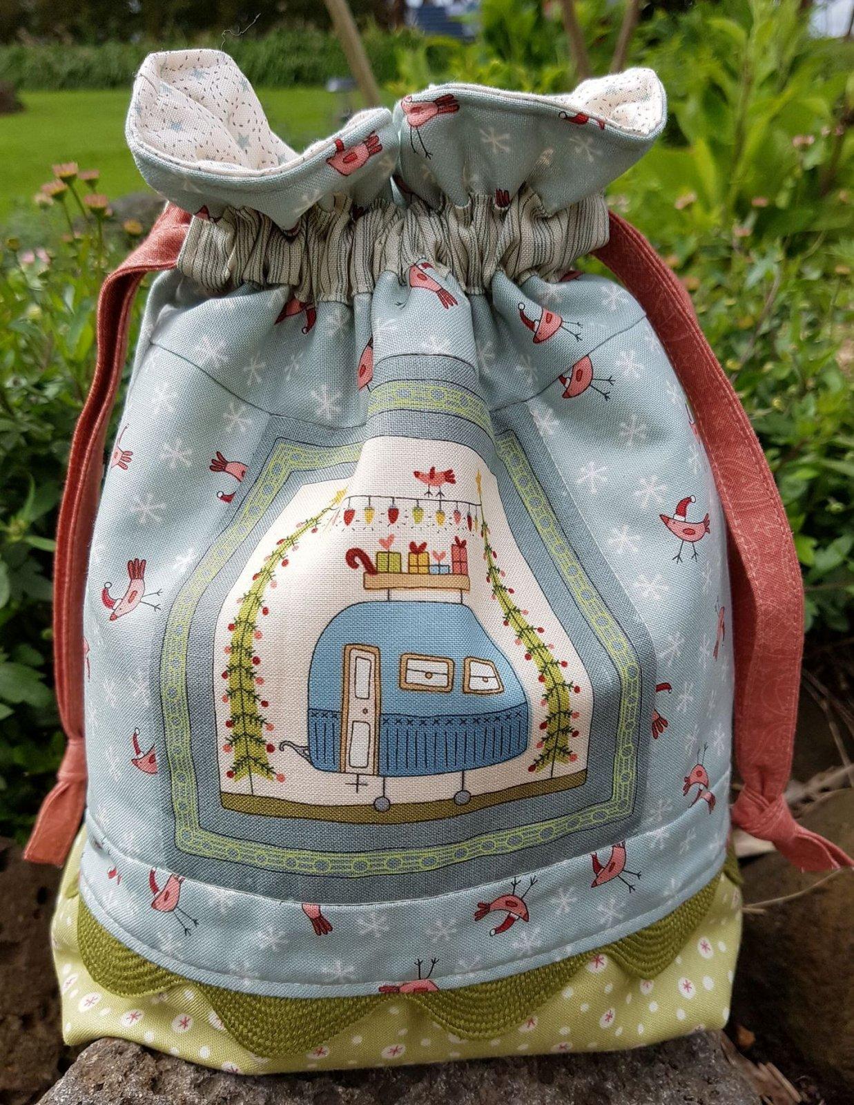 Christmas Gift Bag, Pre-cut Kit