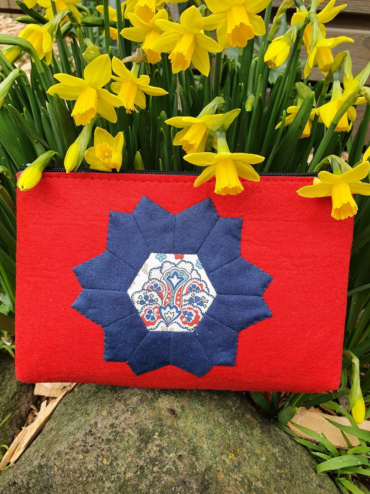Crown Flower Pouch kit