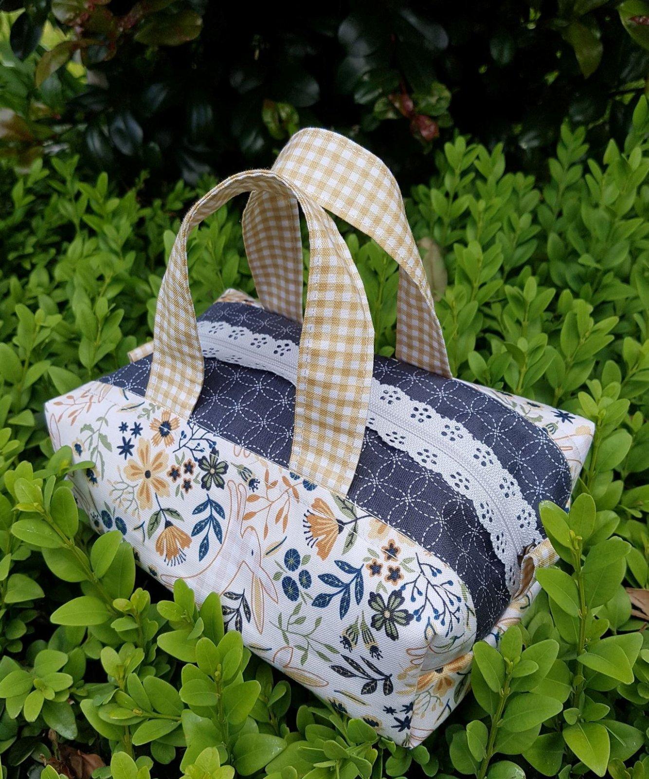 Stitch in Spring Bag kit