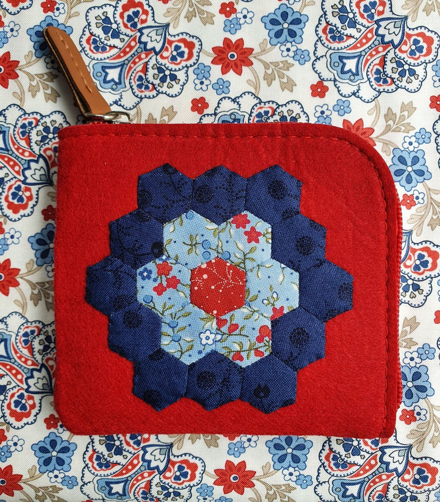 Hexagon Flower Purse kit