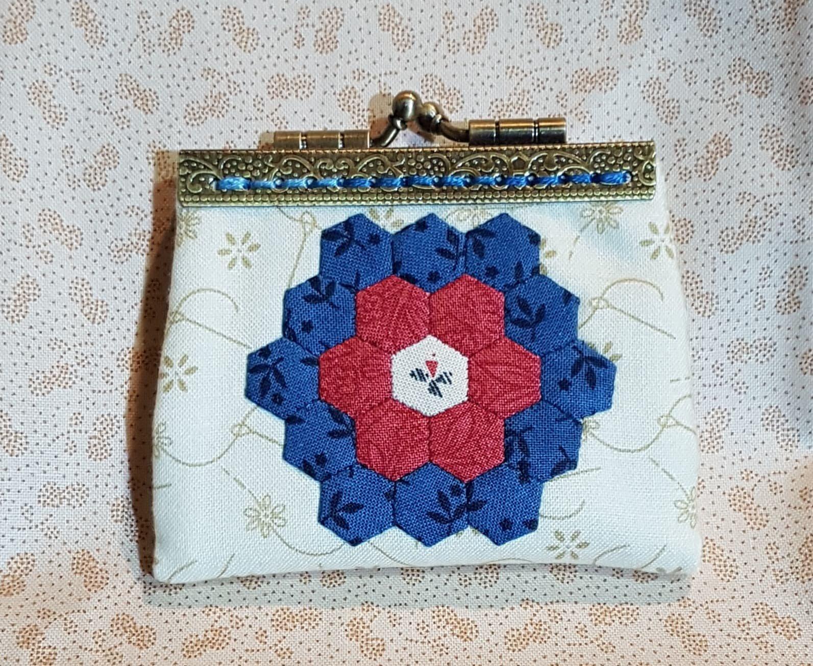 Hexagon Kisses Needle Purse Kit