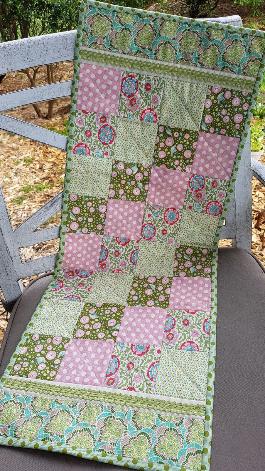 'Pretty with Pink' Table Runner, Pre-cut Kit