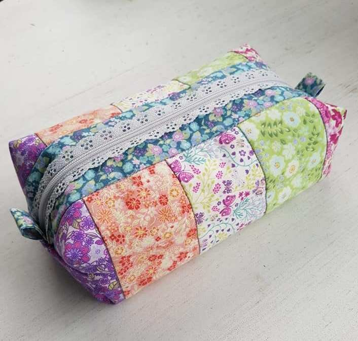Floral Strips Pencil Case Kit
