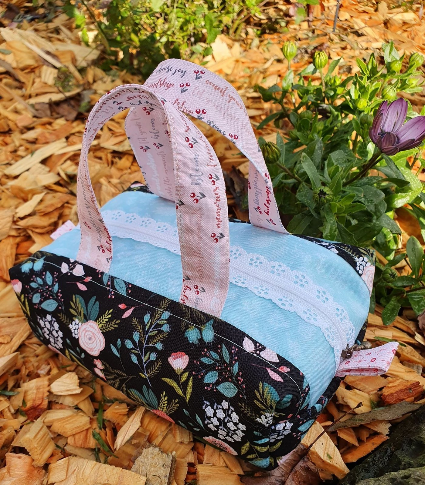 Stitch in Spring Bag kit
