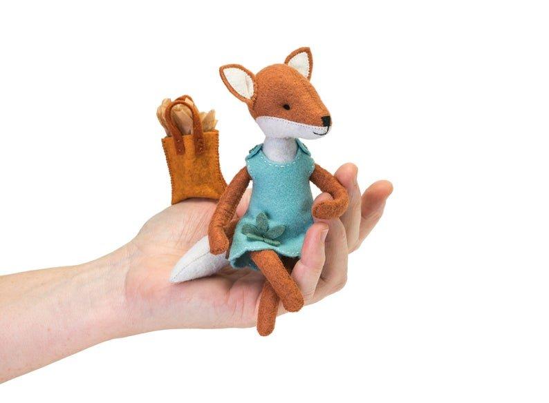 Charlotte Fox Kit by Thread Follower