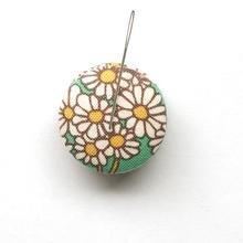 Needle Minder  70s Floral