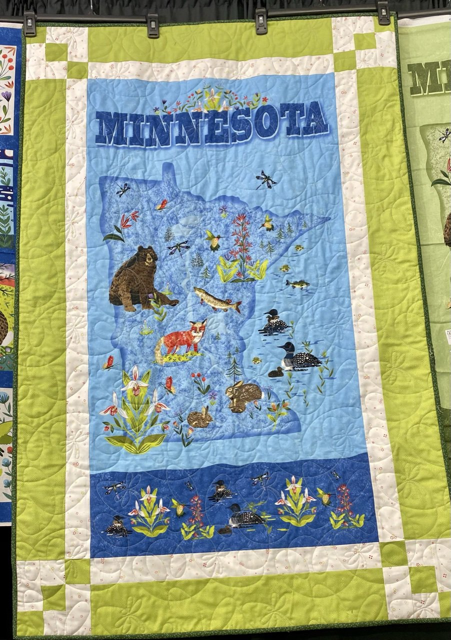 Panel Magic/Quilt Minnesota Green 34.5 x 54