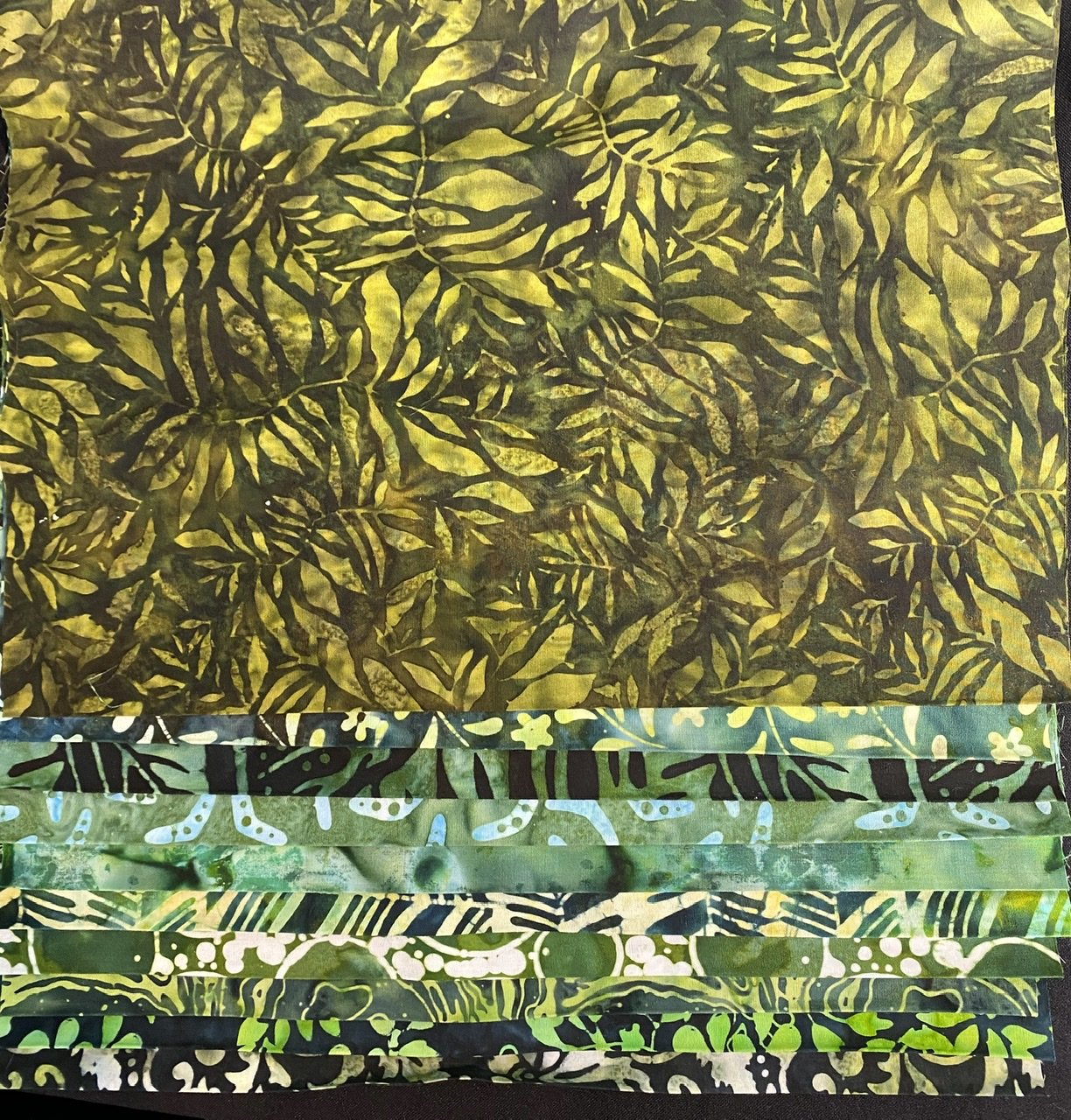 10 Dark Green Batik Third Yards Bundle