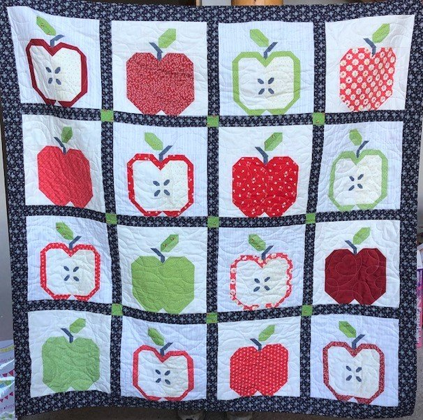 Gala Apple quilt kit