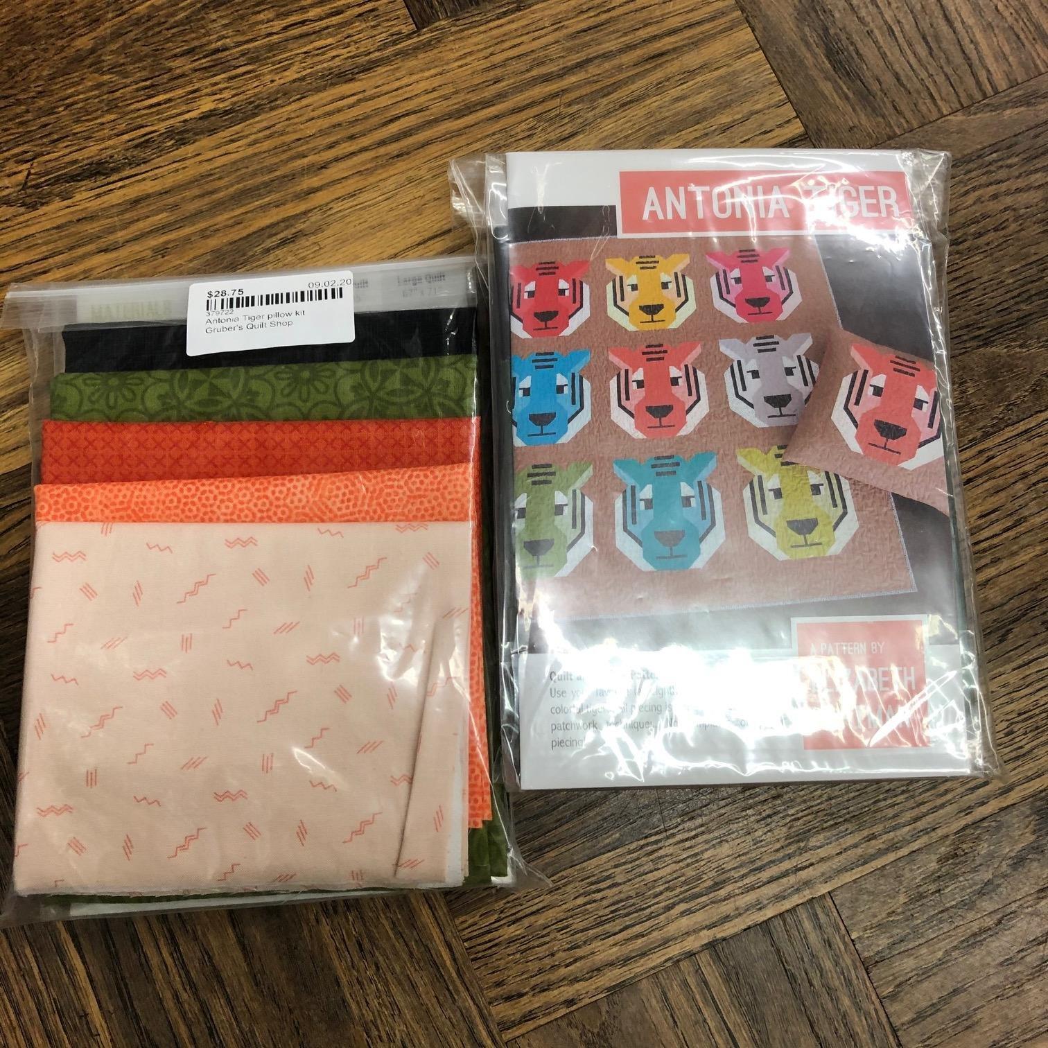 Antonia Tiger pillow kit