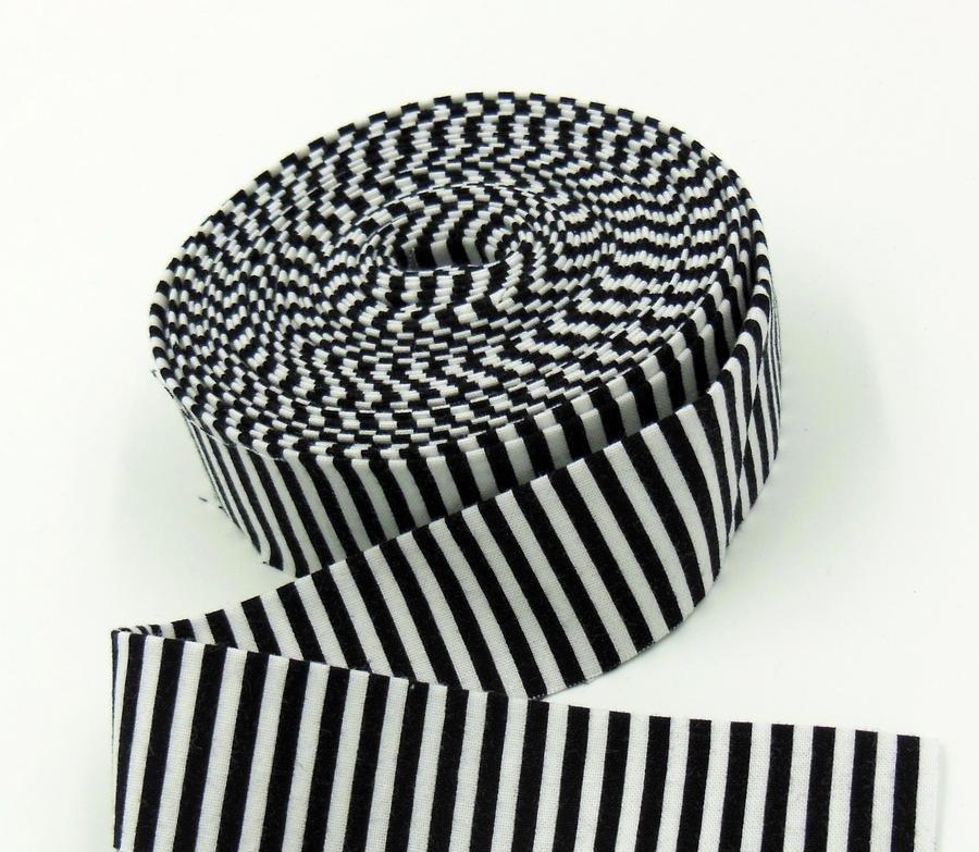 Binding 1/8Stripes Black and white