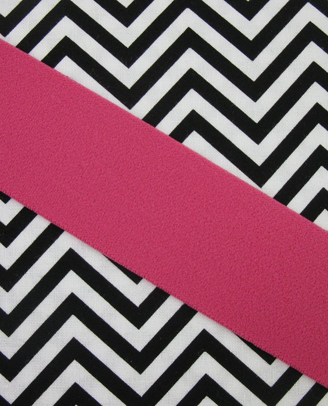 Farmhouse Fabrics/Decorative Elastic 1 1/2 Hot Pink