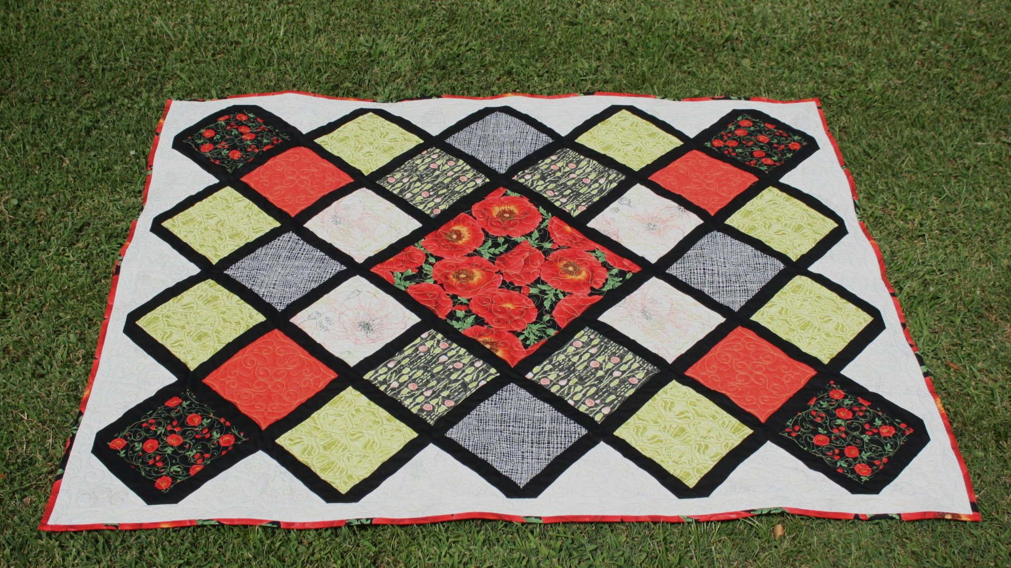 Harmony in Poppy Quilt Kit
