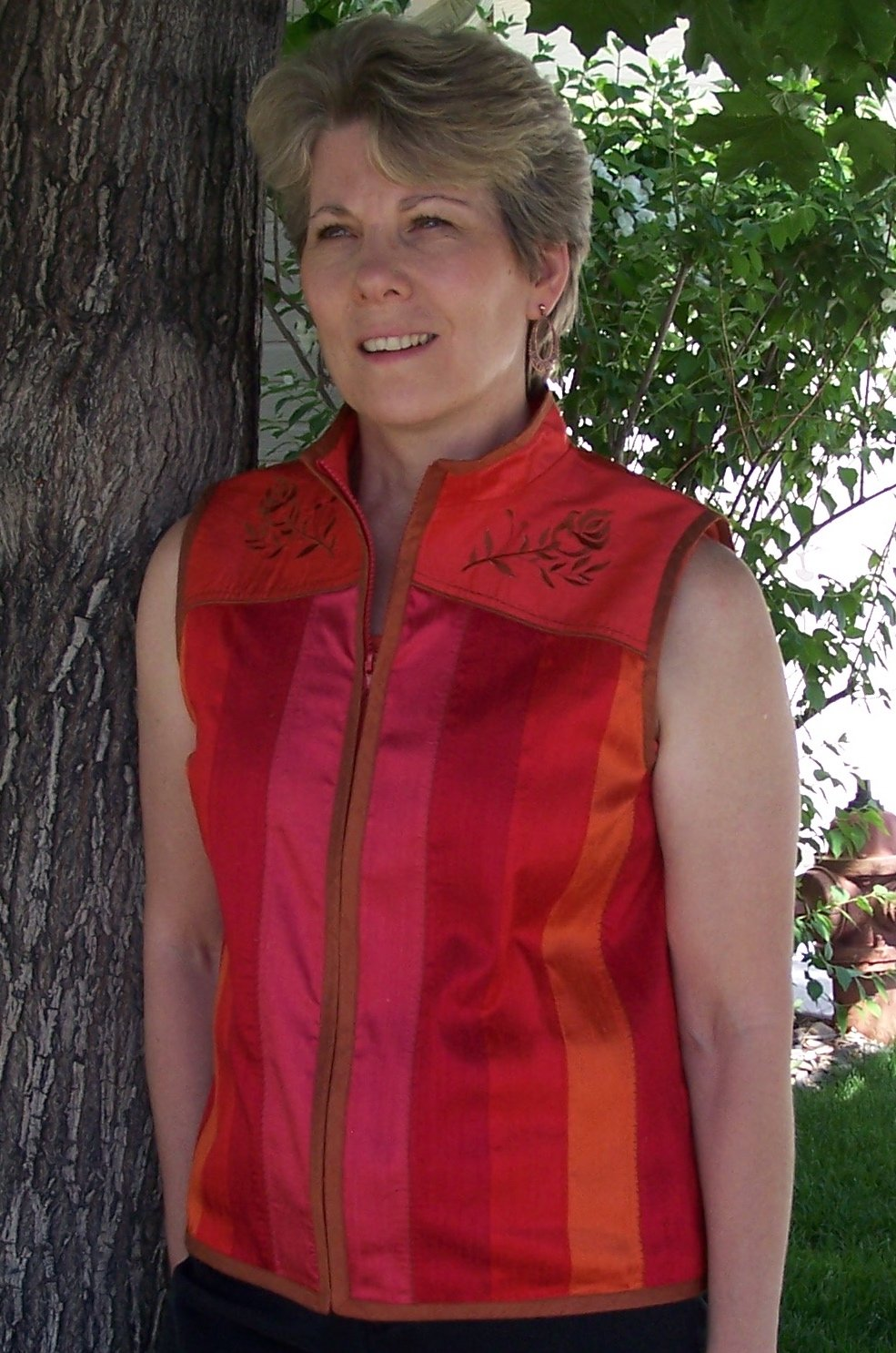 Bryce Canyon - small - silk vest - Red