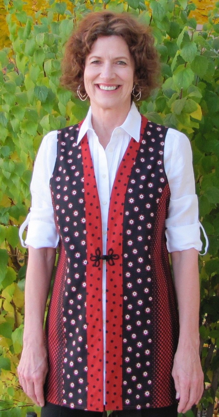Mary Grace Vest - small - Red/Blk - Reversible