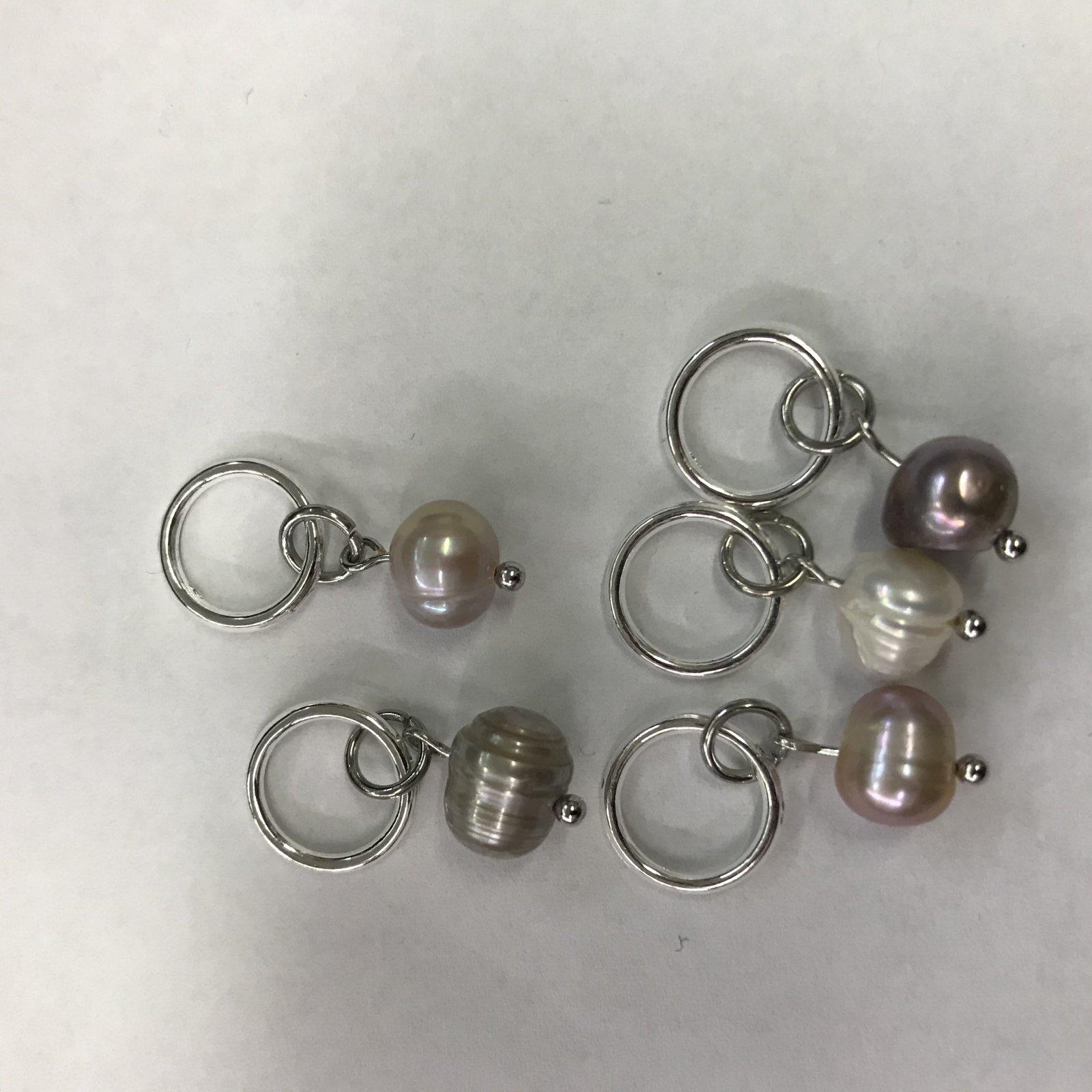 Minnie & Purl Natural Stone Stitch Marker Set - Freshwater Pearls