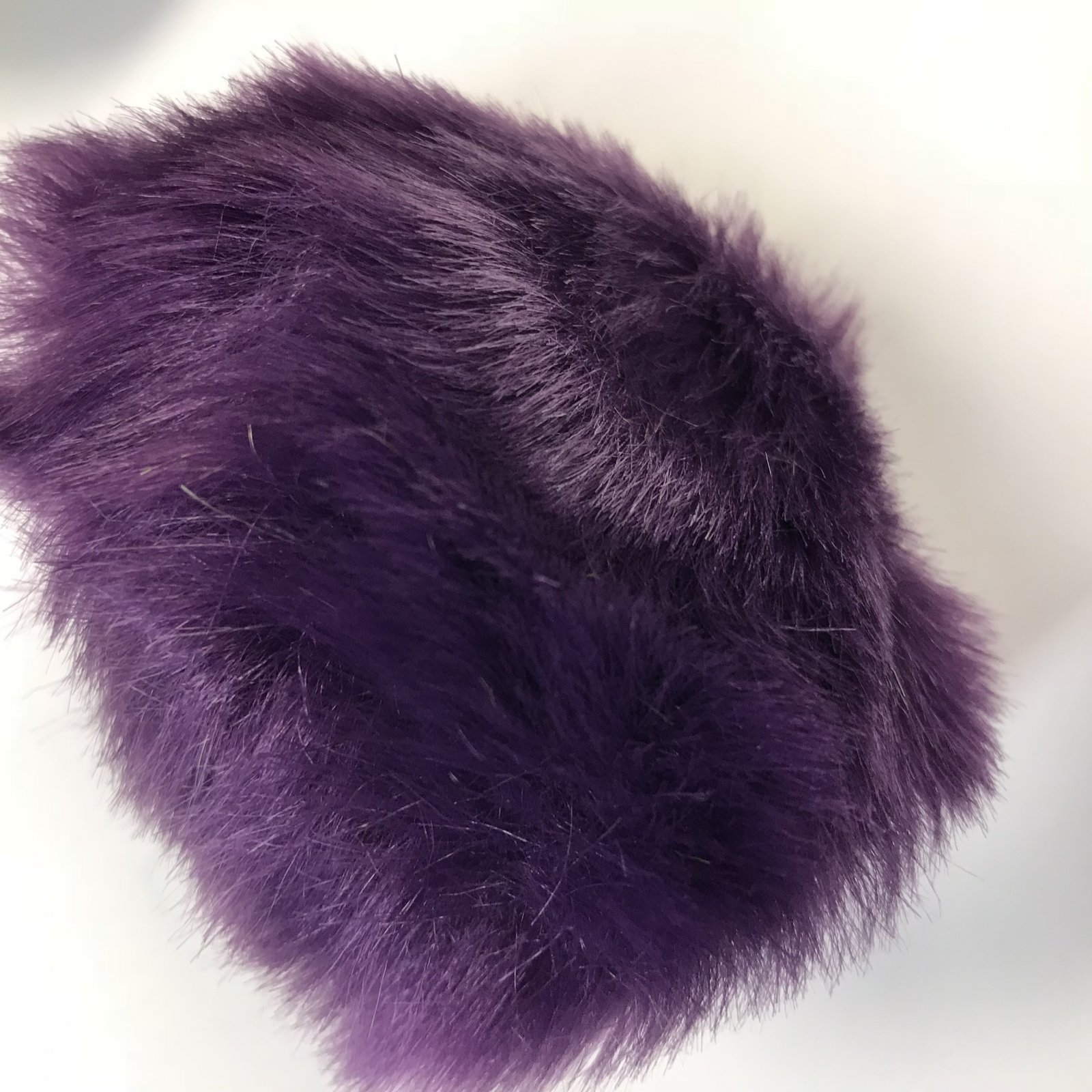Faux Fur Poms 9 cm - Purple