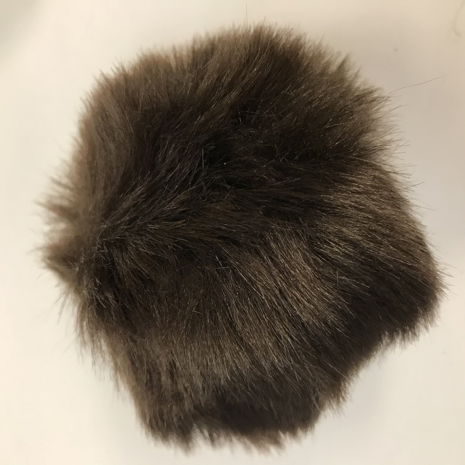 Faux Fur Poms 9 cm - Coffee Bean