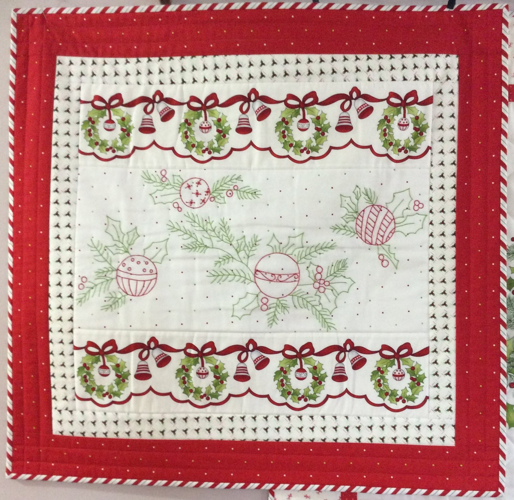 Ring the Holly Wreath Kit -- PGK