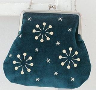 Sakka Snowflake Embroidery Purse