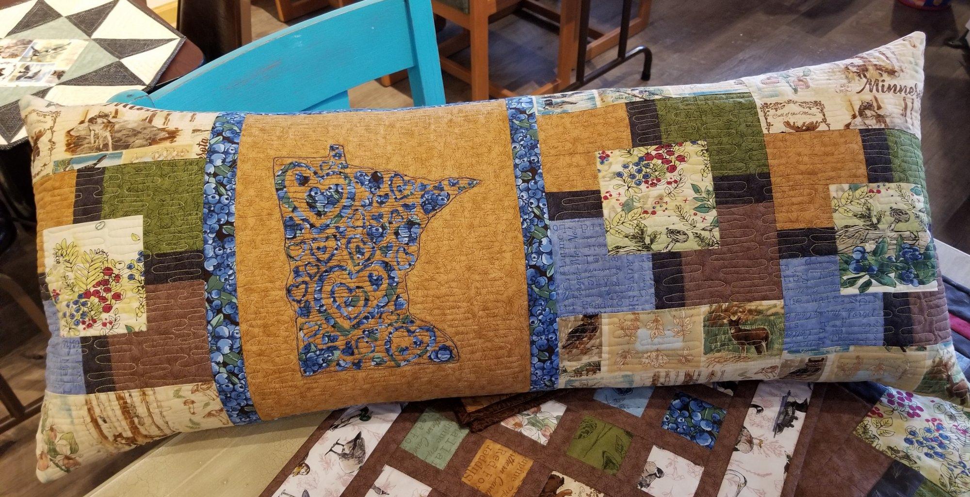 QMN 19 Bench pillow