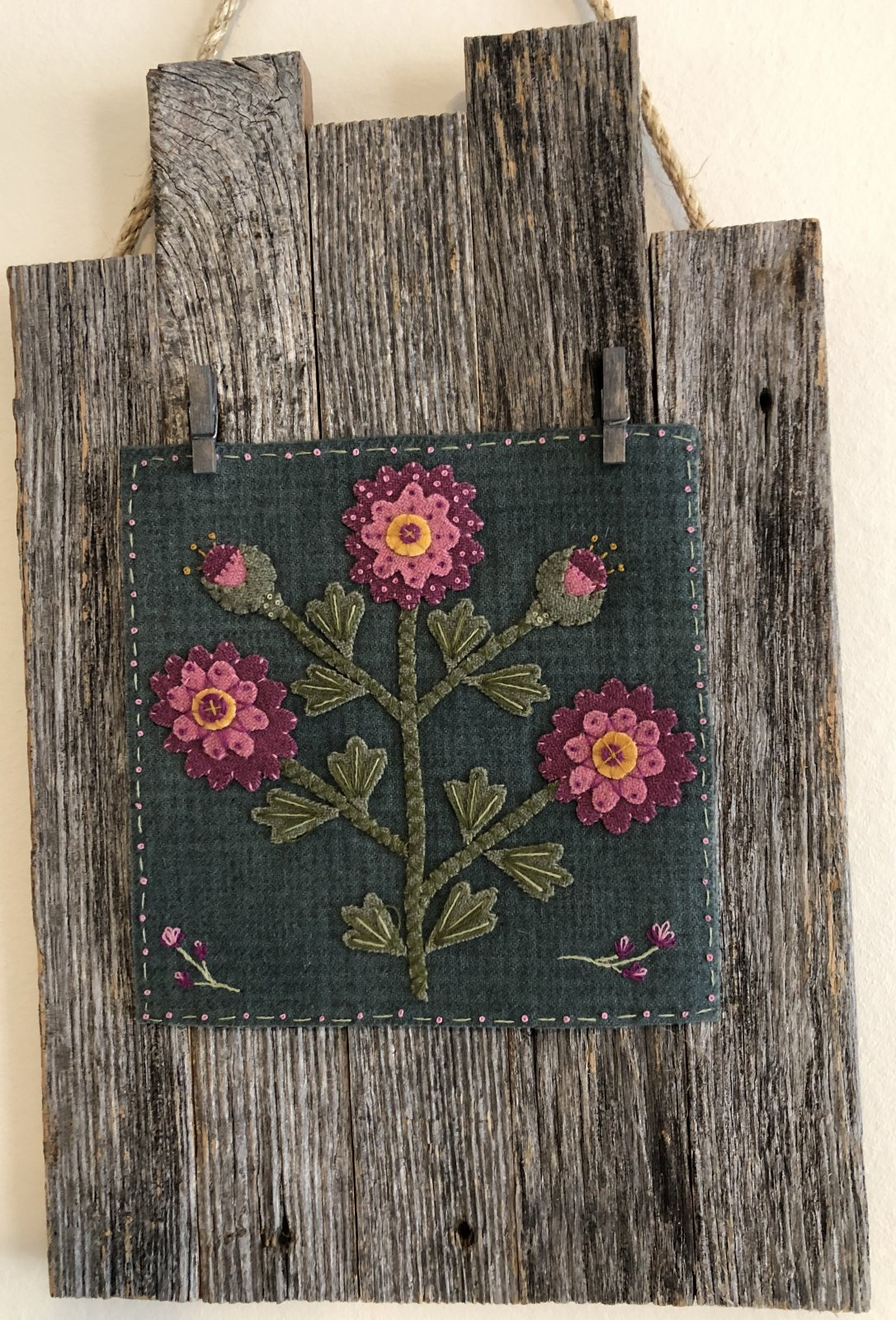 Rose of Sharon Wool kit and Wood Hanger