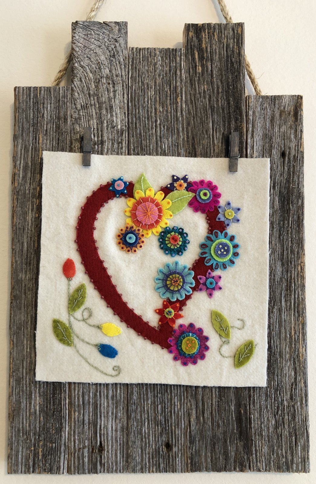 Blooming Heart Wool kit and Wood Hanger