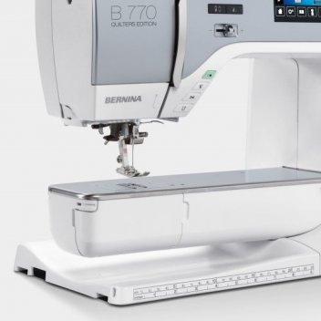 BERNINA 40QE Fascinating Big Lots Sewing Machine
