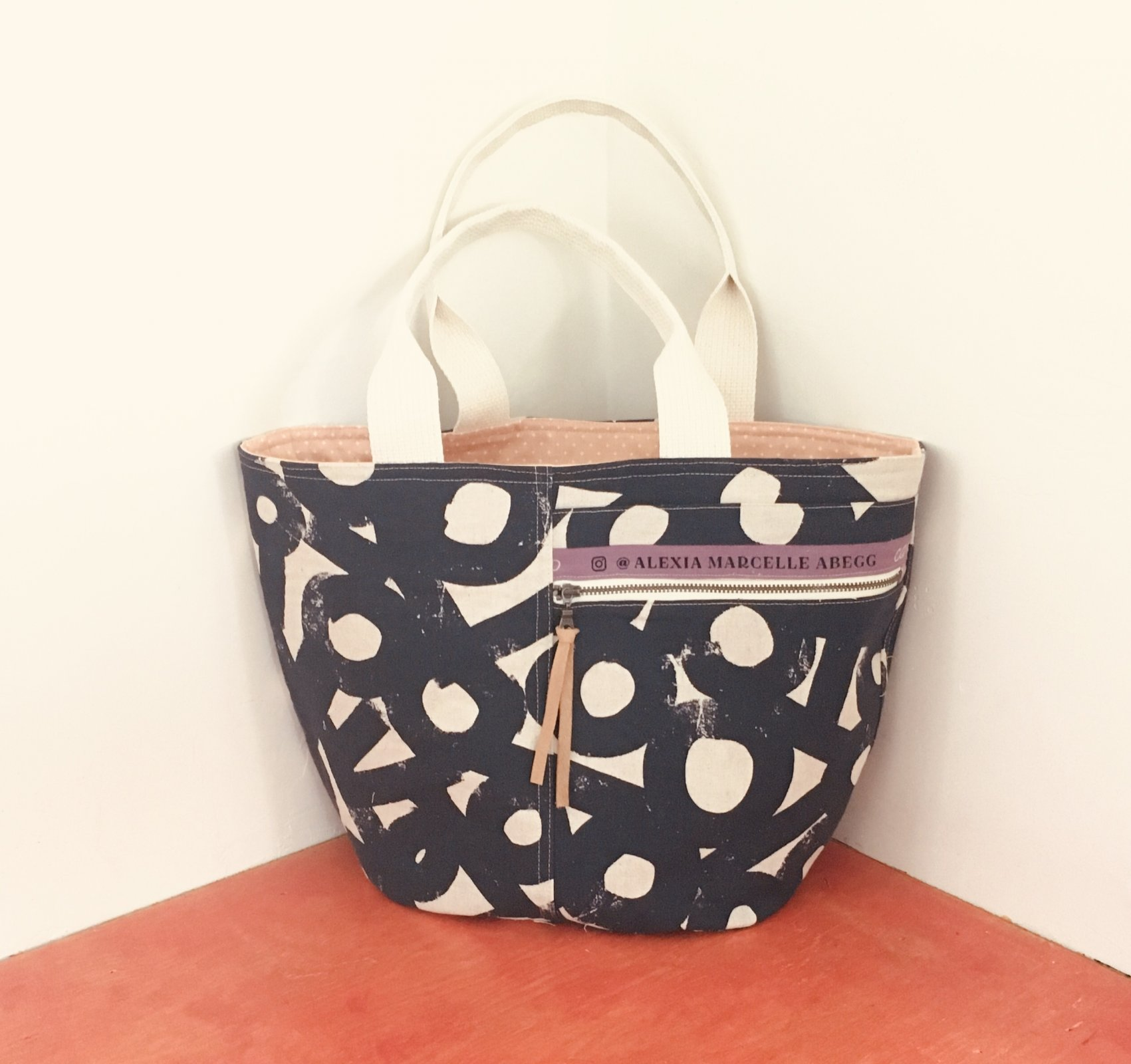 CRESCENT TOTE PATTERN Noodlehead