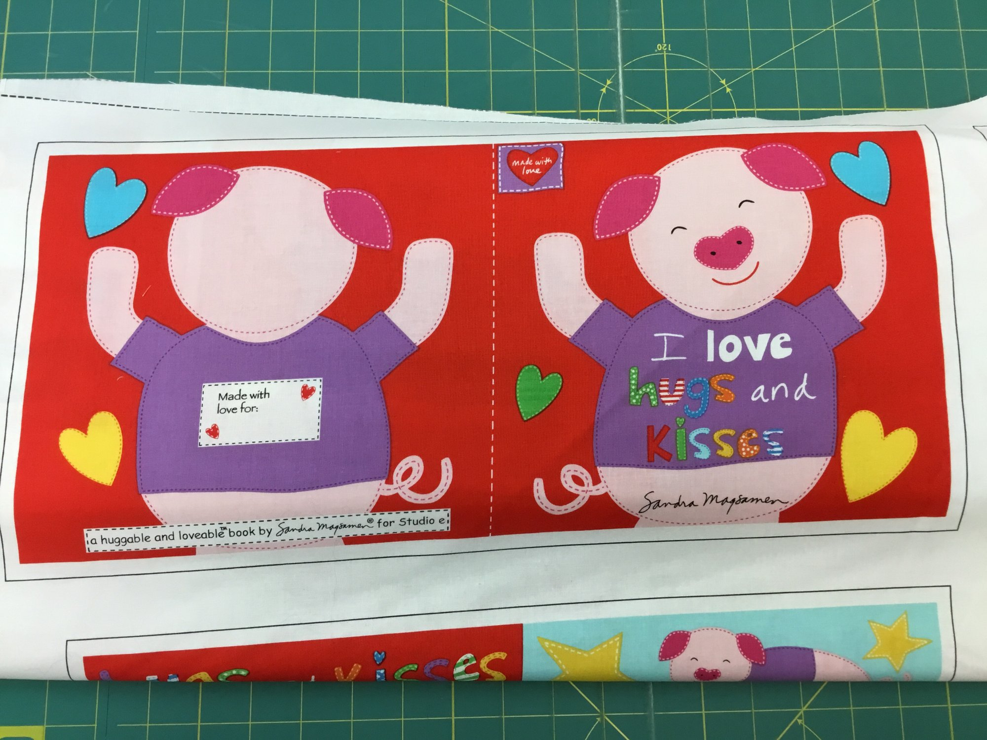 PIG HUGGABLE AND LOVEABLE CLOTH BOOK by Studio e