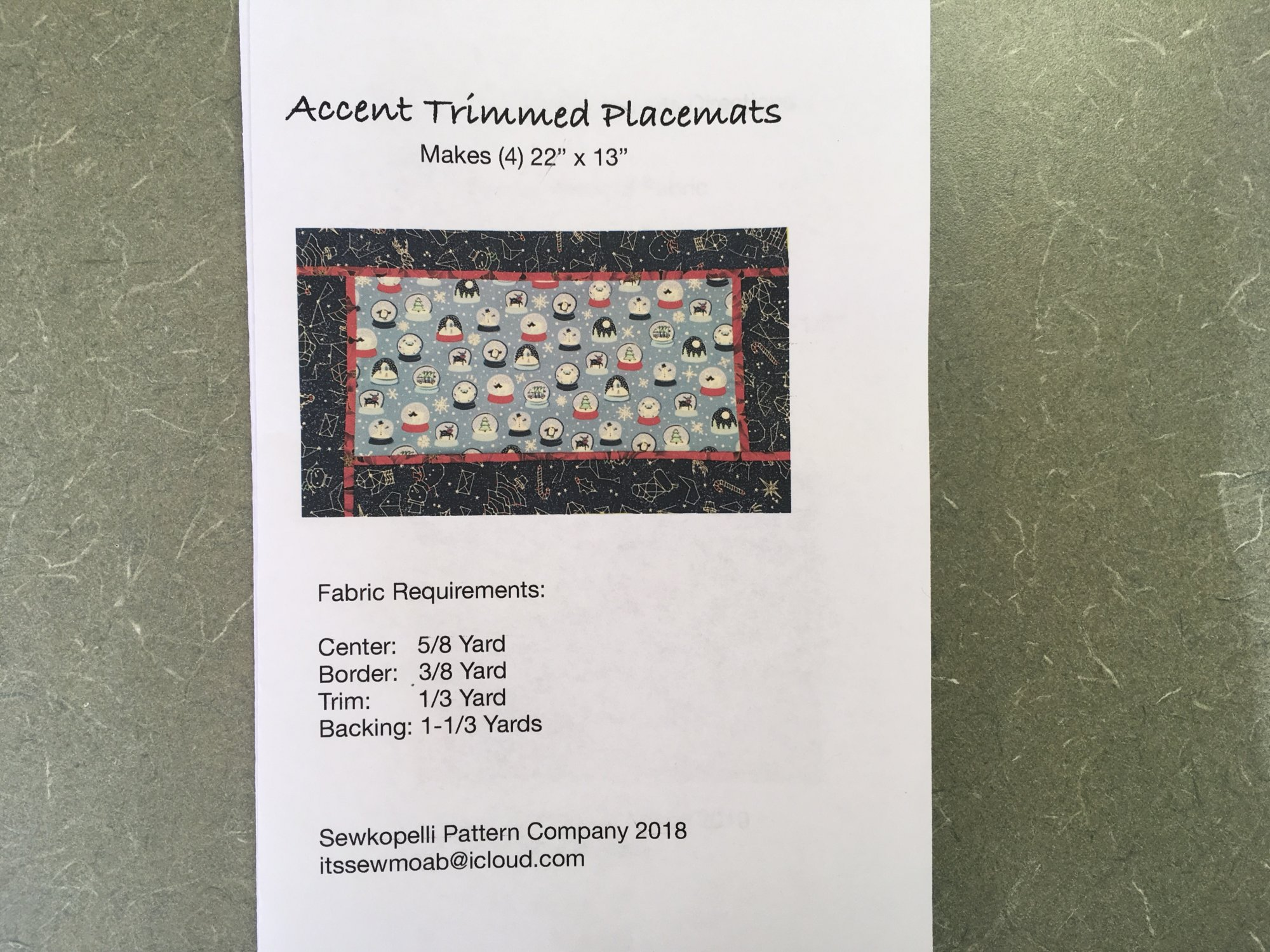 ACCENT TRIMMED PLACEMATS Sewkopelli