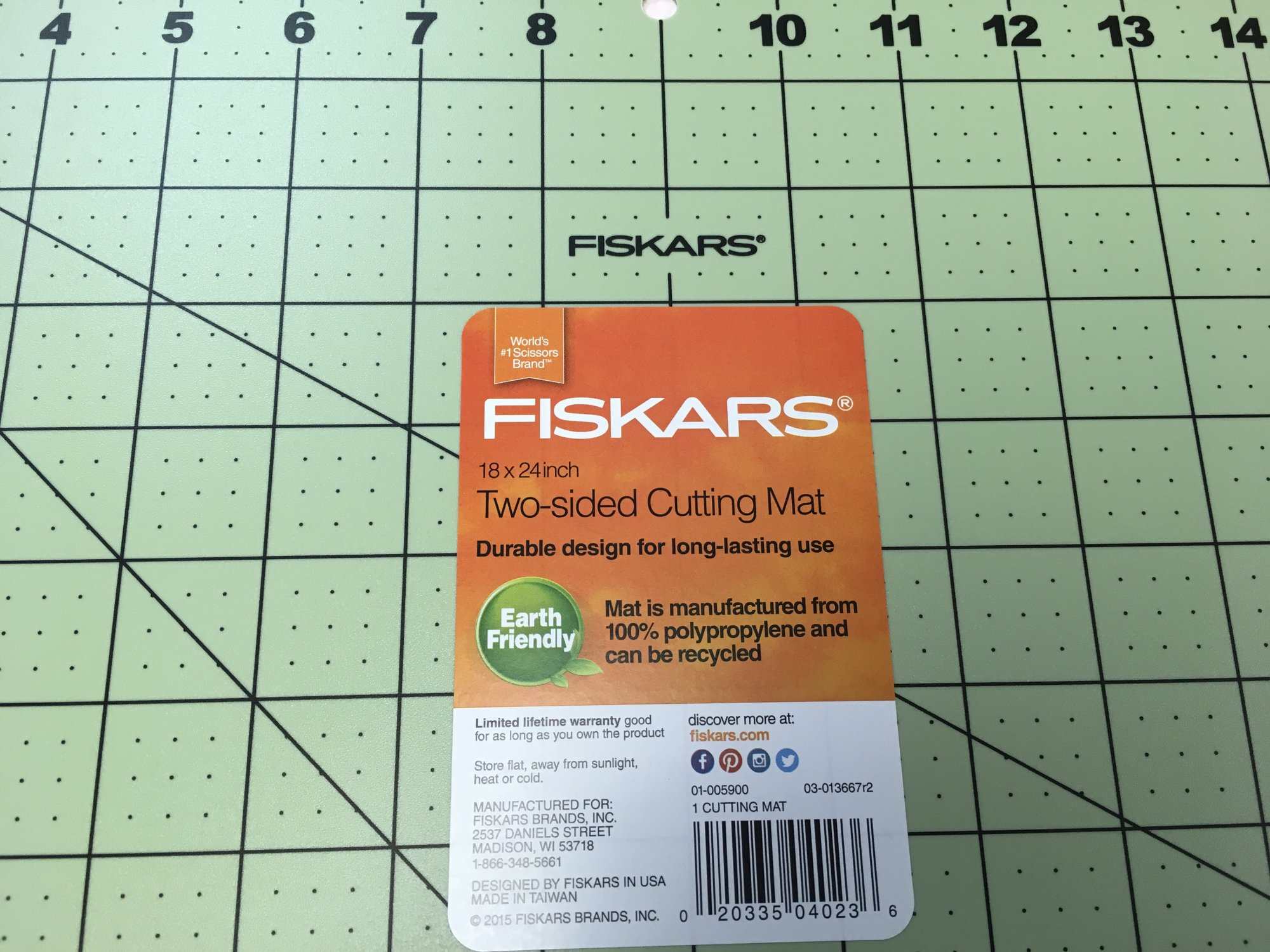 Fiskars Two-Sided,  Earth Friendly Cutting Mat 18 x 24