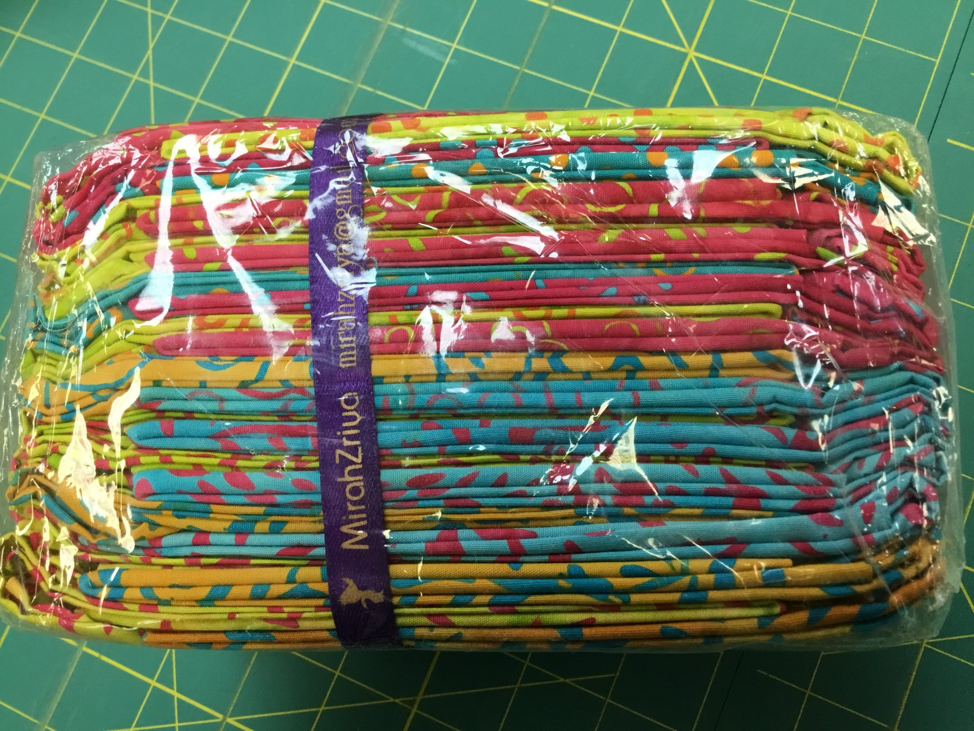 BATIK HOT AND HIP FAT QUARTERS 24/pack FQ10 Batik by Mirah