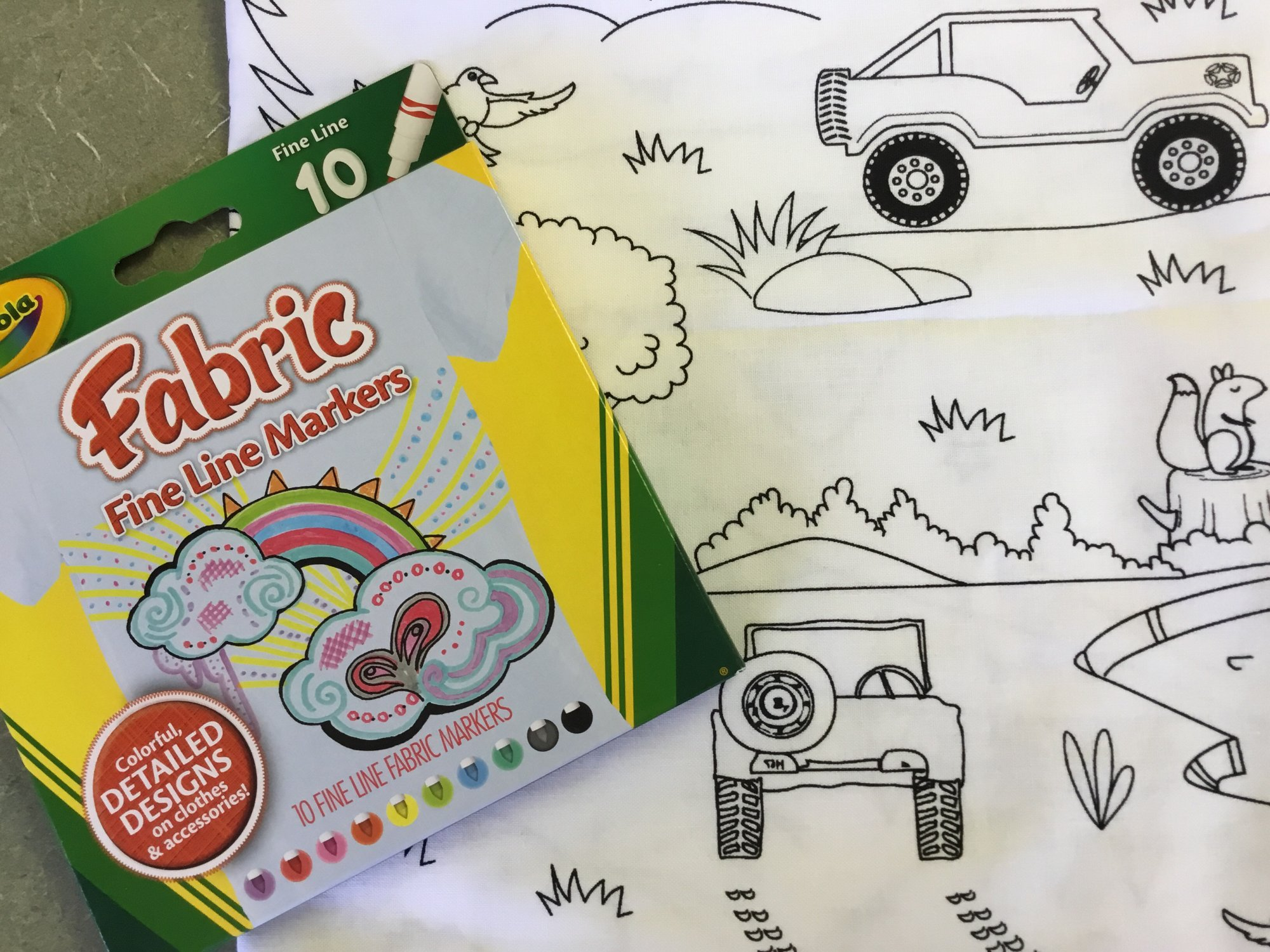 JEEP COLOR PILLOWCASE WITH CRAYOLA FABRIC MARKERS KIT
