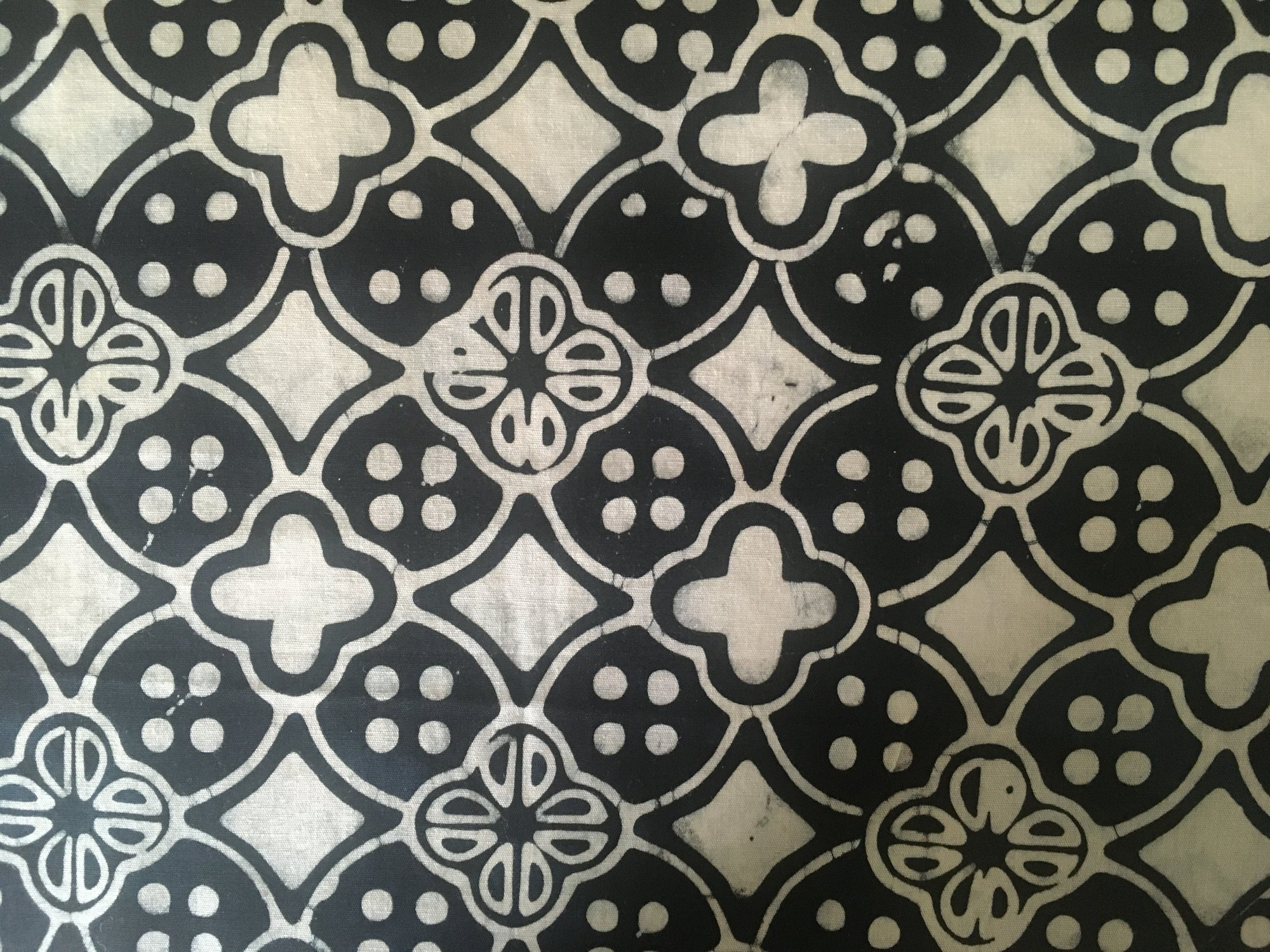 BATIK QUATREFOIL BLACK/WHITE 2005 Fabrics That Care