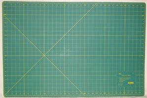 Elan 24 x 36 Miracle Cutting Mat 9924