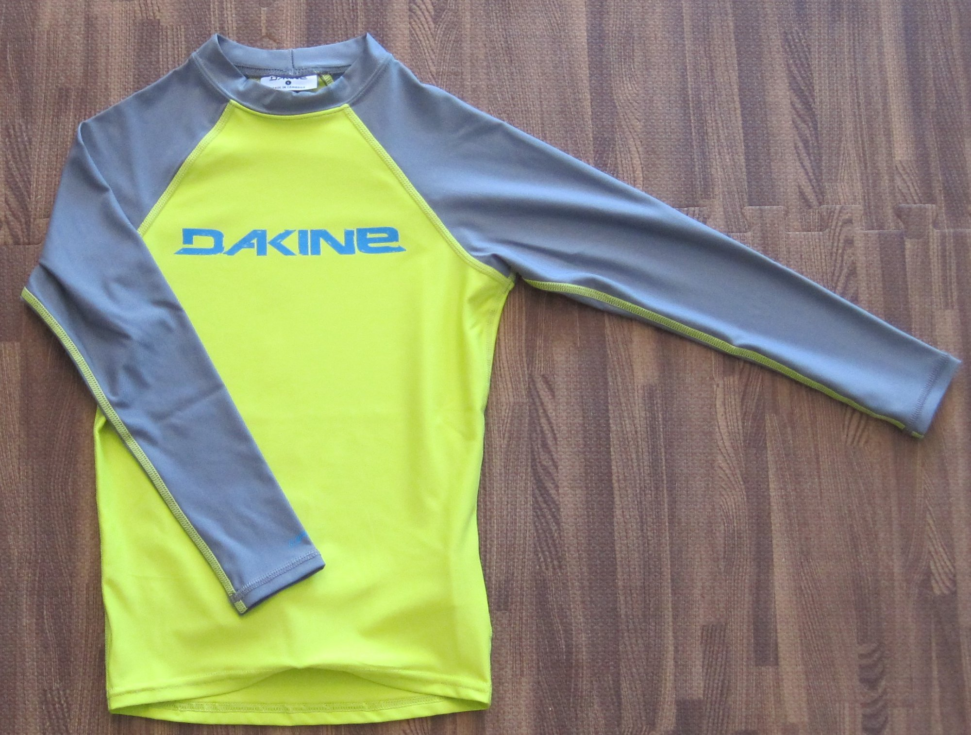 Dakine Boy's Heavy Duty L/S (Snug Fit) Rashguard